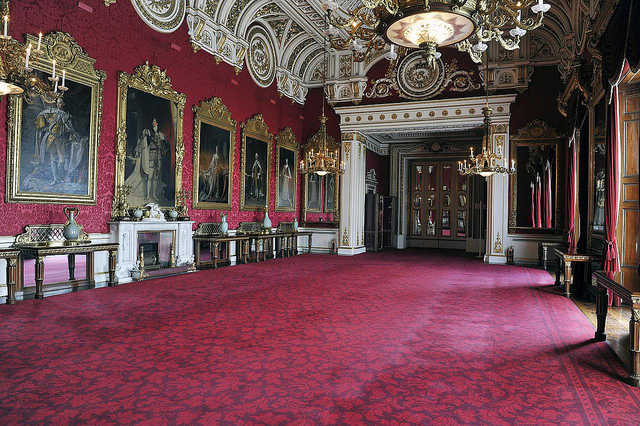 Can You Take Photographs In State Rooms Of Buckingham Palace